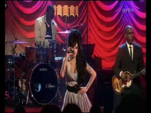 Amy Winehouse - Hey Little Rich Girl LIVE HQ with Lyrics