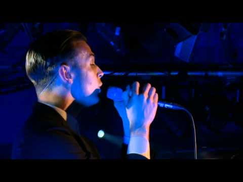 Hurts - Stay (MTV Live Session)