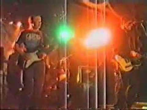 Trim the Velvet - Merry-go-round (live)