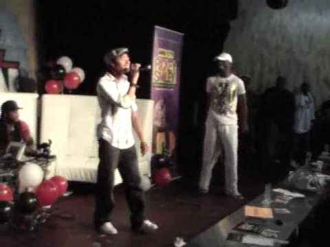 "Durand Bernarr - ""Flashing Lights"" (LIVE @ Rickey Smiley B`Day Bash)"