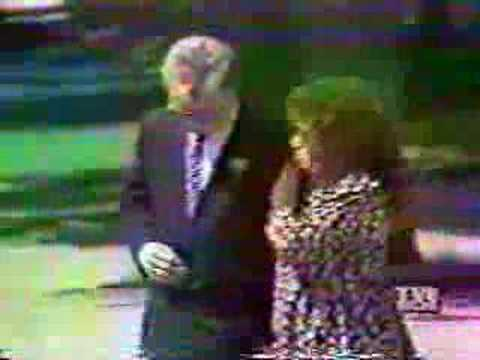 Local News Coverage/Footage of Keith Whitley`s Funeral, 1989