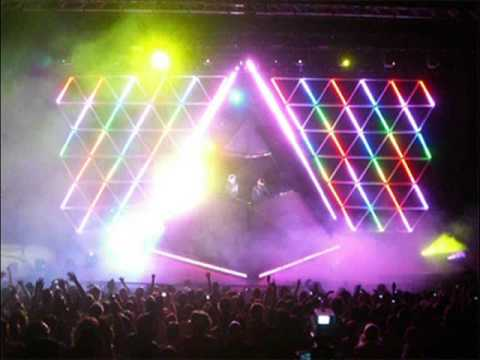 Alive 2007 Encore (Daft Punk) / Techno Rocker / Listen Feel Enjoy / Superheroes / Por Que No / Techno Rocker (1/2)
