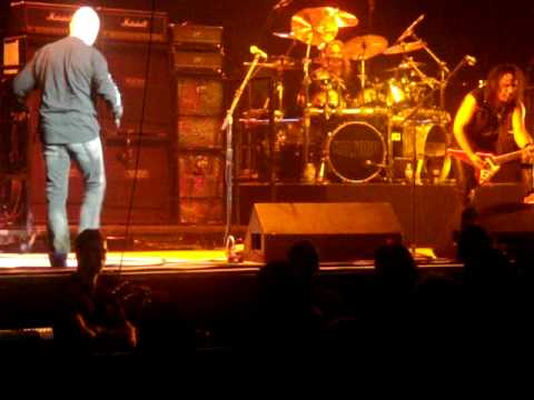 Halford Diamonds and Rust live 2010 Montreal centre Bell
