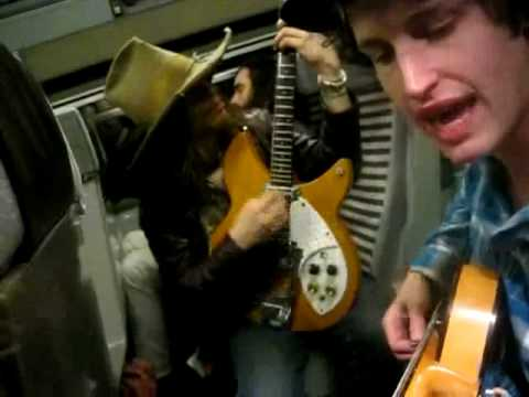 Hares / Razorlight - Music on the Eurostar (Ep1: Folsom Prison Blues)