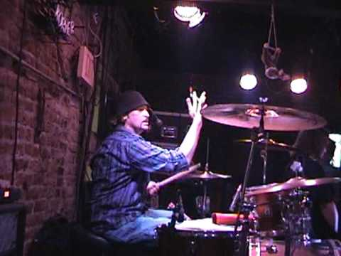 Amazing bourbon street drummer - Rob Hovey ?