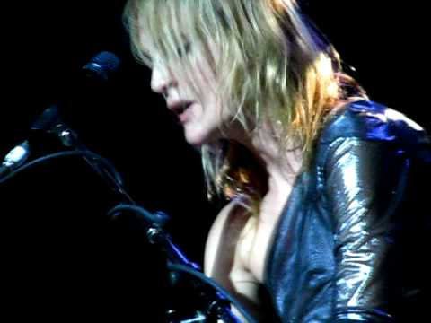 METRIC - Twilight (LIVE)