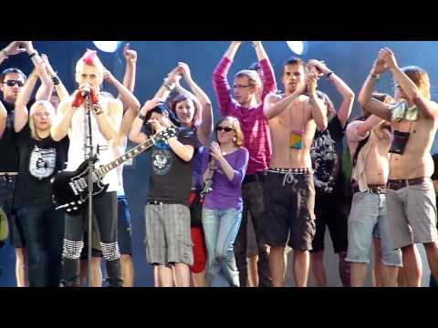 30 Seconds To Mars - Kings And Queens (live Rock im Park 06.06.2010) HD