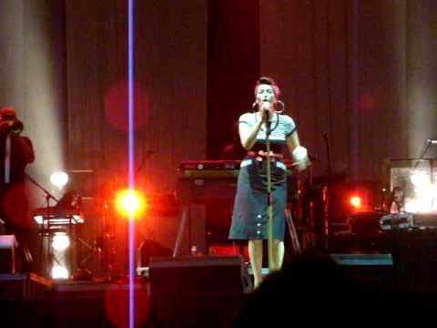 Nina Zilli - L`inferno (live a Roma, 14-07-2010)