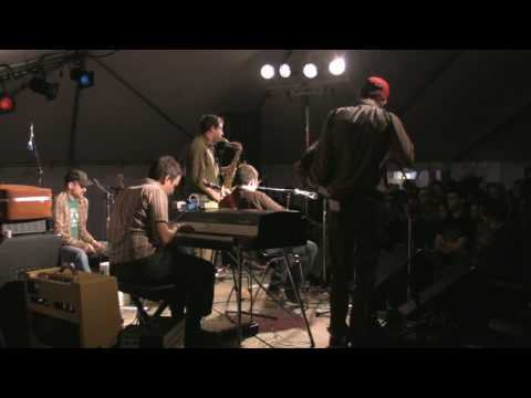 "Rock Plaza Central - ""(Don`t You Believe the Words of) Handsome Men"" Live at SappyFest 2009"