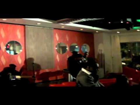 DirtyRose Perform`n jodeci/htown covers@ Mingle`s HOsted by Rodney Perry.wmv