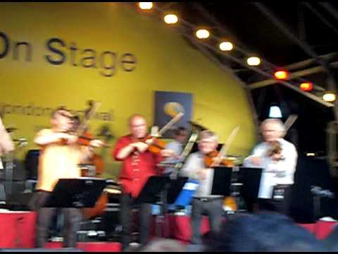 Roll out the barrel - Benny Andersson Band, Helen Sj�holm, Tommy K�rberg