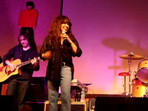 "Beatlefest, 2009, NJ - Ronnie Spector ""Be My Baby"""