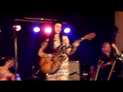 Kitty Daisy & Lewis - Buggin` Blues - SUNDAY BEST RECORD COMPANY -
