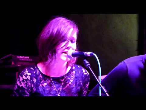 "Rose Elinor Dougall ""I Know We`ll Never"" Live Liverpool 12/06/2009"