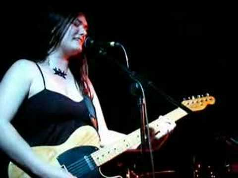 Rose Kemp - Saturday Night (live)