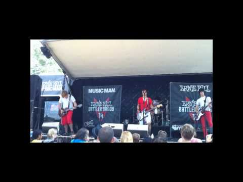 Things Left Unsaid - Rosy Likes Red @ Warped Tour 2010