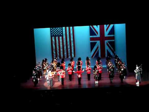 The Band of the Irish Guards - Auld Land Syne