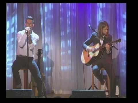 Maroon 5 Members Perform at Cancer Fundraiser
