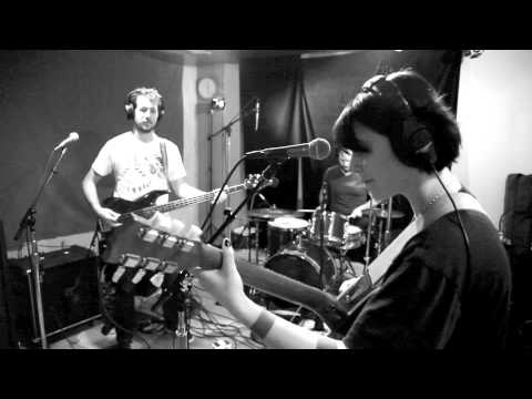 Sharon Van Etten - Peace Signs (Live on KEXP)