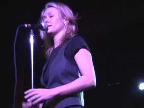 Shelby Lynne does smooth cool Dusty tribute
