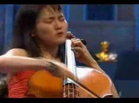 Han-Na Chang - Shostakovich 1st Cello Concerto (part 1)