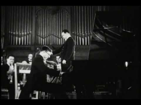 RARE: Young Shostakovich Playing end of op.35 (1940?)