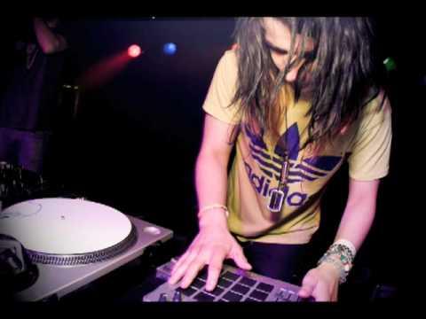 Casxio - Seventeen (Skrillex Remix)