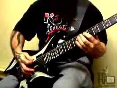 Kerry King playing angel of death riff