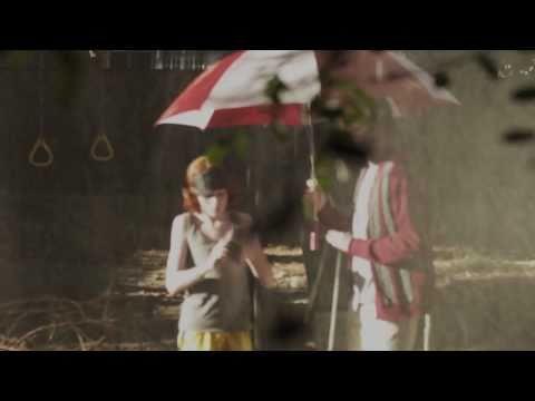 Sleigh Bells - Riot Rhythm