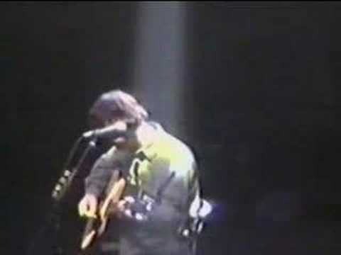 Noel Gallagher - Slide Away acoustic Chicago `98