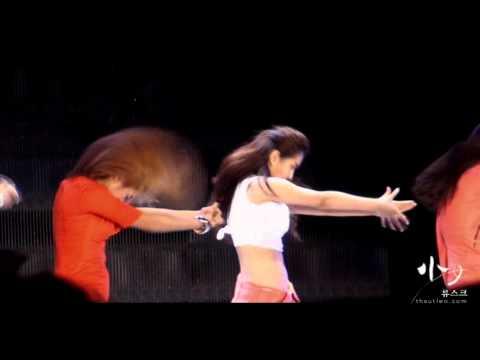 [2010-08-21] Yuri Fancam - SNSD - Dance Battle - SMTown Live Concert