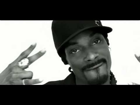 Snoop Dogg featuring Pharrell - Drop It Like It`s Hot