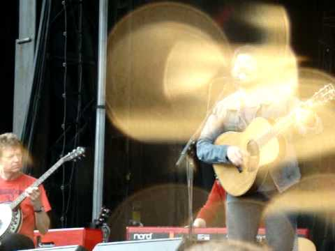 Passenger Side ~ JEFF TWEEDY SOLO live @ Solid Sound Festival @ Mass MoCA 8-15-10.MPG