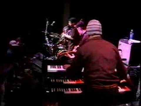 Soulive - live - Alan Evans lays it down