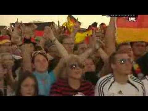 Sportfreunde Stiller - 54,74,90,2010(72,80,96,2008) Live Roc