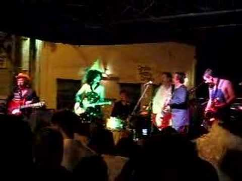 Squirrel Nut Zippers performing Hell
