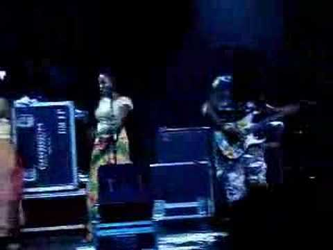 Steel Pulse - Steppin` Out (Live in Brasil)