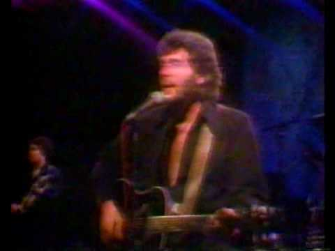 "Eddie Rabbitt sings ""Step by Step"" (part 1 of 2) Tomorrow Show with Tom Snyder - 12/31/1981"