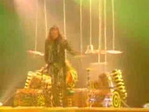 Larry the Cable Guy on STRYPER