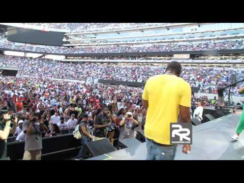 "Gucci Mane Performs "" Wasted "" at HOT 97`s Summer Jam 2010"