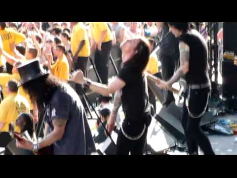 Slash feat. Myles Kennedy - Sweet Child O` Mine ( Music Video ) [ Tour Edition 2010 ]