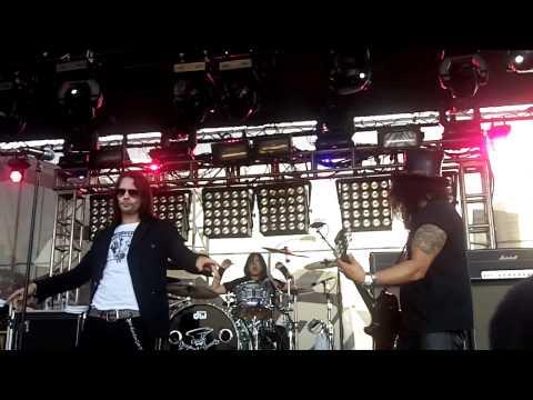 Slash w Myles Kennedy - Rocket Queen - HD