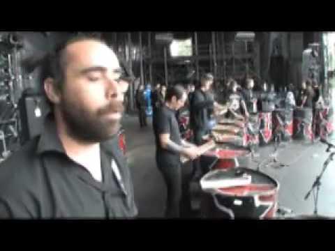 2/3 - Vieilles Charrues - Tambours du Bronx VS Fr�res Morvan - Chapitre 2/3