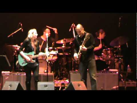 "Derek Trucks and Susan Tedeschi Band ""Bound For Glory"" 02/10/2011"