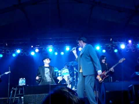 Mark Lindsay at Springfest 2010 singing Hungry.MPG