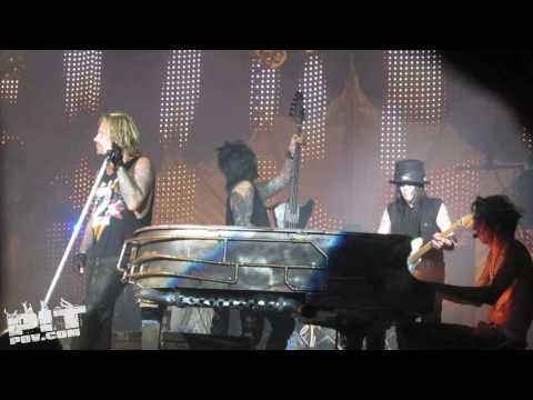 MOTLEY CRUE ? Home Sweet Home ? Crue Fest 2 ? Dallas, Texas ? PIT POV HD