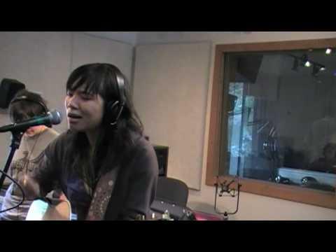 Thao Nguyen - Violet