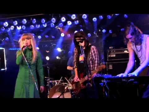 The Asteroids Galaxy Tour - Around The Bend - Live On Fearless Music HD
