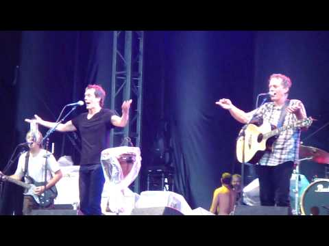 04. The Bacon Brothers - Footloose [HD] - Live at Ottawa Bluesfest - July 8, 2010.MP4