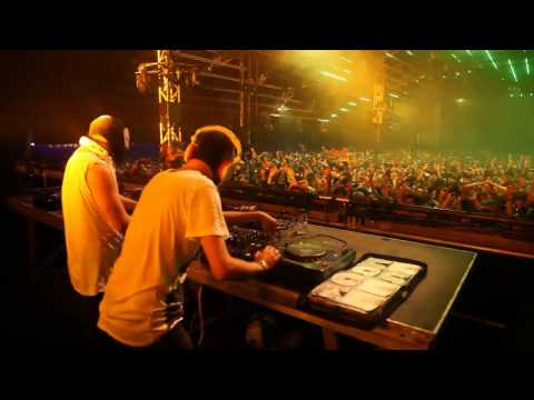 MSTRKRFT & The Bloody Beetroots [Live] Pukkelpop
